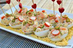 LA EMPANA LIGHT DE BEGO: Huevos Rellenos de Salmón y Surimi Egg Recipes, Salad Recipes, Snack Recipes, Recipies, Decadent Cakes, Recipe For 4, Canapes, Finger Foods, Catering