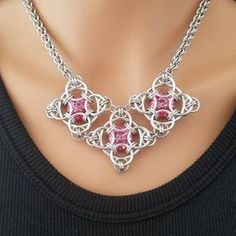 """I'm loving this one :) A variation of Jennifer Froh's """"Her Majesty's Quilt."""" pink gems and cross shapes Wire Wrapped Jewelry, Metal Jewelry, Beaded Jewelry, Handmade Jewelry, Jump Ring Jewelry, Chainmaille Bracelet, Diy Jewelry Making, Jewelry Crafts, Jewelery"""