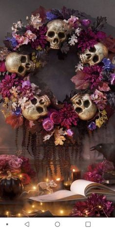 Soirée Halloween, Outdoor Halloween, Halloween Projects, Diy Halloween Decorations, Holidays Halloween, Halloween Flowers, Halloween Wreaths, Manualidades Halloween, Adornos Halloween