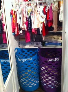 DIY Nursery Organization Ideas - How To Sort and Organize Babys clothes and outgrown clothes Closet and Baby Clothes Organization for Nursery - Declutter closet tips and tricks clothing organization Baby Room Organization Ideas - Nursery Storage Hacks Casa Kaufmann, Casa Kids, Nursery Storage, Baby Storage, Baby Nursery Organization, Organizing Baby Stuff, Toddler Closet Organization, Closet Organisation, Nursery Organization