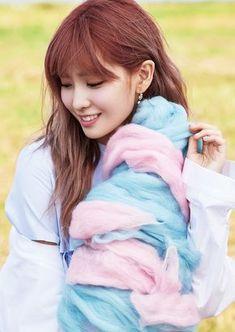 Your for all things on Hirai Momo, dance machine and jokbal lover of TWICE from JYPE! Nayeon, Kpop Girl Groups, Korean Girl Groups, Kpop Girls, K Pop, Sana Minatozaki, Hirai Momo, Dahyun, Girl Day