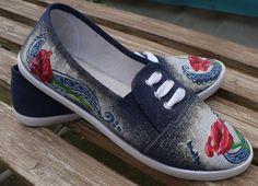 Venilafi.cz Toms, Slip On, Sneakers, Fashion, Tennis, Moda, Slippers, Fashion Styles, Sneaker