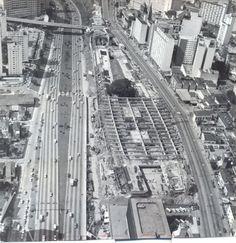 O Centro Cultural São Paulo foi inaugurado em 1982. O local era considerado de fácil acesso, próximo ao metro e a grandes avenidas como a 23 de Maio e a Paulista