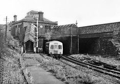 Birkenhead Town Station Old Train Station, Train Stations, Liverpool City Centre, Liverpool History, Disused Stations, Buses And Trains, Road Construction, Steam Railway, British Rail
