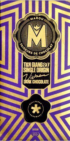 Mörk syrlig och kraftfull choklad med 80 % kakaohalt från Vietnam. Dryckestips finner du här: http://beriksson.net/smaka-baka-tillaga/smaka/smaker-som-gifter-sig #marou #vietnam