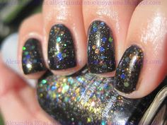Orly Androgynie better in the bottle Face Beauty, Diy Beauty, Black Nail Polish, Christmas Makeup, Nail Polish Collection, Glitter, Bottle, Shoulder, Nails