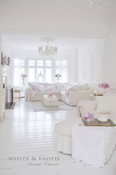 Shabby Chic Decor Easy Tips Tricks - Notable ideas to build a really chic shabby chic home decor living rooms Scintillatingideas shared on this imaginative day 20181219 , note reference 7995729329 Shabby Chic Living Room, Shabby Chic Interiors, Shabby Chic Homes, Living Room Decor, Cottage Living, White Room Decor, All White Room, White Rooms, Decoration Inspiration