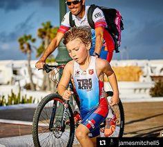 Dicen que el #triatlon no es un #juegodeniños pic courtesy of @jamesmitchell5 #trikids #tri #triathlon #triatleta #swim #bike #run #swimbikerun #personalización #customized #taymorylife #taymory