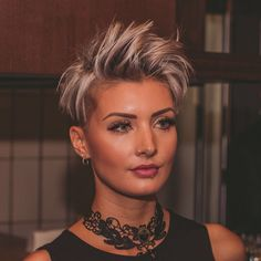 You would look so beautiful with this hair!!