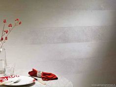 Segui il tuo Istinto crea superfici a rilievo o levigate in 140 colori coprendo le minori irregolarità del muro in unico passaggio. #seguiiltuoistinto #giorgiograesan #pittura #decorazione #paintwall