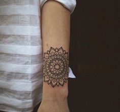 Finest Mandala Tattoo Designs And Concepts For Males And Girls There are numerous tattoo designs out there in tattoo artwork. Mandala is considered one of them. Mandala means circle. Mandala is Flower Mandala Tattoo, Dotwork Tattoo Mandala, Tattoo Tribal, Tatoo Henna, Mandala Tattoo Design, Tattoo You, White Mandala Tattoo, Tattoo Forearm, Tattoo Black
