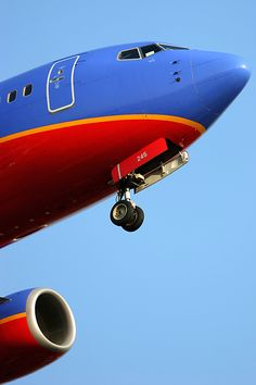 Southwest Airlines Boeing 737-7H4 N245WN.