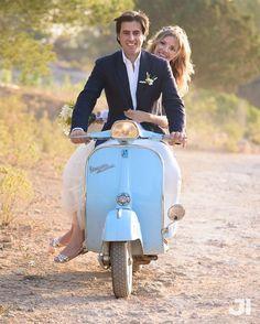 #weddingphoto #weddings #wedding #weddingphotographer #eivissa #ibiza2016 #vespa #vespaclassic #bride #brides #SantJosep #weddingplanning by jon_izeta