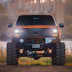 Classic Pickup Trucks, Chevy Pickup Trucks, Chevy Pickups, Gmc Trucks, Pickup Camper, Best Pickup Truck, Chevy Trucks Older, Chevy Diesel Trucks, Truck Drivers
