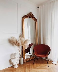 Playlist : Five Songs for the Weekend :: This Is Glamorous - Home deco - Decoration Inspiration, Decoration Design, Interior Inspiration, Decor Ideas, Mirror Inspiration, Home Decoration, Style Inspiration, Bedroom Inspiration, Style Ideas