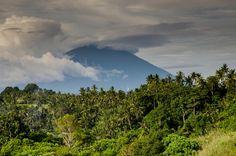📌 New free photo at Avopix.com - Natur berg vulkan asien    ✅ https://avopix.com/photo/41467-natur-berg-vulkan-asien    #landscape #sky #grass #mountain #tree #avopix #free #photos #public #domain
