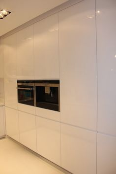 Bardzo biała kuchnia Ady Sweet Home, Kitchen Cabinets, Home Decor, Decoration Home, House Beautiful, Room Decor, Cabinets, Home Interior Design, Dressers