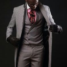 This Bold Color Button Down Goes From Suit to Jeans, Men's fashion pink button down with white contrast collar, gray suit, black and white plaid white coat Estilo Fashion, Funky Fashion, Mens Fashion, Gentleman Mode, Gentleman Style, Suit Up, Suit And Tie, Sharp Dressed Man, Well Dressed Men