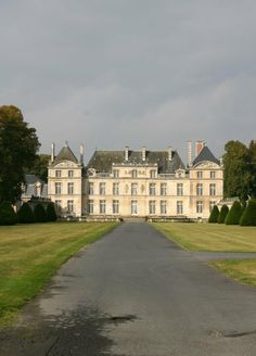 Crib as big as a college!   Chateau de Raray, Oise, Picardy, France