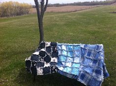 Courtenays Country Quilts and More :) Picnic Blanket, Outdoor Blanket, Country Quilts, Rag Quilt, About Me Blog, Sewing, How To Make, Stuff To Buy, Shopping
