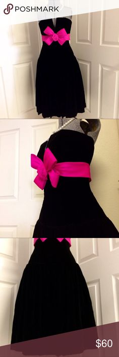VINTAGE 80s Victor Costa party dress 💕 VERY 80s! ADORABLE black velvet party dress accented with a thick HOT PINK ribbon, large bow & rose. Full skirt falls in soft pleats over an undershirt of black tulle edged with hot pink ruffled trim. Back zip & hook/eye closure. Designer label; excellent quality fabric. GREAT vintage condition! Dry clean only. Label shows size 8, listed here as MEDIUM. Measurements: bust 33, waist 30, hip 38. Hip measurement taken at seam where bodice & skirt meet…