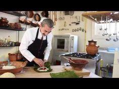 Cómo hacer tamales. Tamales de frijol con chicharrón Recetas de tamales Yuri de Gortari - YouTube