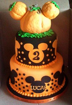 Fall/Halloween Pumpkin Mickey Cake