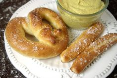 Sprinkles of Parsley: Homemade Auntie Annes Pretzels