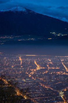 Innsbruck by night by Alexander Tolmo. on 500px