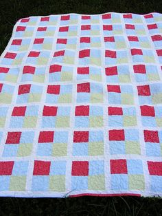 Great beginner quilt.  Four square