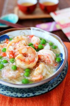 Shrimp With Lobster Sauce: Shrimp is always a great dish to serve as the Cantonese pronunciation of 虾 sounds like 哈, which means laughter or happiness.