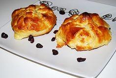 Camembert pieczony w cieście francuskim