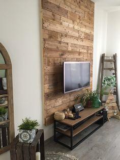 Mur TV en palettes