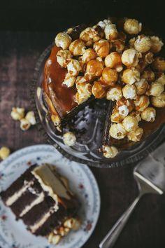 Chocolate Caramel Popcorn Cake by Wallflower Kitchen Vegan Treats, Vegan Desserts, Vegan Recipes, Sweet Recipes, Cake Recipes, Dessert Recipes, Popcorn Recipes, Brunch, Chocolate Recipes