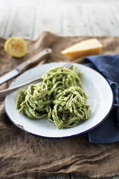 (vía Toasted Almond and Basil Pesto   The Flourishing Foodie)