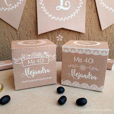 Nuevos kits imprimibles con estilo rústico chic, con textura de arpillera y puntillas. Textos editables para personalizarlos a tu gisto. >> http://tarjetasimprimibles.com/210-estilo-rustico #estilorustico #vintage #imprimibles #kitsimprimibles #tarjetasimprimibles #tarjetas #wrappers #toppers #cupcakes #banderines #decoraciones #decoracionesdefiestas #decoraciondefiesta #partyideas #estilorustico #rusticoideas #estilorusticocumpleaños