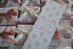 browniess e blondies com faixa personalizada. Lembrança de batizado. Conheça mais em http://www.giveagift.com.br/