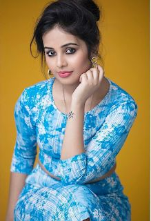Nic Look girl Beautiful Bollywood Actress, Most Beautiful Indian Actress, Beauty Full Girl, Beauty Women, Look Girl, Beautiful Girl Photo, Stylish Girl Images, Indian Models, Chandigarh