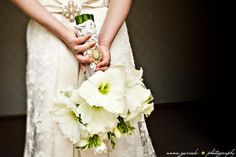 DIY Bouquets - Amaryllis, Freesia & Roses :  wedding amaryllis bouquets diy florist 090509 Naomi Florin 13811