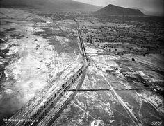 Sta. Martha Acatitla 1949, Aprecie la Calz. Ignacio Zaragoza, al centro el cruce con Calz. Ermita Ixtapalapa., al fondo Volcan La Caldera