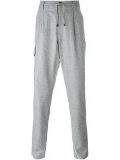 Купить Brunello Cucinelli брюки с накладными карманами в Spinnaker Sanremo from the world's best independent boutiques at farfetch.com. 400 бутиков, 1 адрес. .