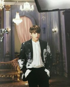 Find images and videos about kpop, bts and jungkook on We Heart It - the app to get lost in what you love. Foto Jungkook, Jungkook Oppa, Bts Bangtan Boy, Taehyung, Jungkook 2018, Jung Kook, Jooheon, Blood Sweat And Tears Bts, Jikook
