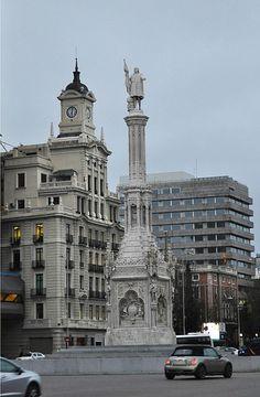 """MONUMENTO A AMÉRICA (COLÓN ESTÁ ARRIBA DE TODO) FRENTE A NUESTRO HOTEL """"GRAN MELIÁ FÉNIX"""""""