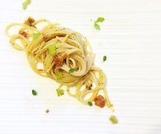 Live dalle #cucine de #ilcucchiaiodianita: spaghetti ai #ricci di mare ed erbette.  #iphoneonly #iphonesia #foodporn #foodstagram #foodlover #picoftheday #pic #foodgasm #instablog #foodblog #foodblogger #blogger #food #iphone #love #loveit #foodpic #foodie #recipe #italianfoodblogger #instafood #italianrecipe #gourmet #myworld #mystyle #mykitcen
