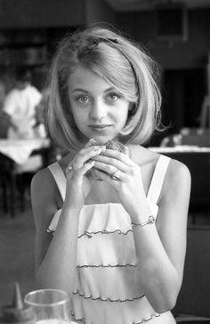 Goldie Hawn, 19 anos.