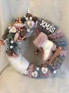 Christmas Wreaths, Christmas Decorations, Xmas, Holiday Decor, Burlap Wreath, Advent, Ornaments, Creative, Home Decor
