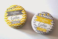Magnet 56 mm  Prénom et date personnalisables Couleurs et motifs non personnalisables  4 choix de modèles (cf photos) : • Fond jaune Gabin • Fond gris Gabin • Fond  - 17731395