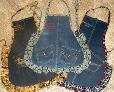 Three interesting DIY old jeans projects. Find out what can you do with old pair of jeans. Interesting do it yourself redesign projects for old jeans. Jean Crafts, Denim Crafts, Sewing Hacks, Sewing Crafts, Sewing Projects, Recycling Projects, Artisanats Denim, Jean Apron, Cute Aprons