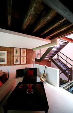 Murdock Solon Architecture - Carroll Gardens Townhouse - Living Room and Staircase