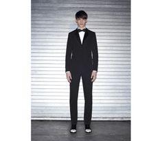 Filip Hrivnak, pour la nouvelle collection capsule smoking de Givenchy